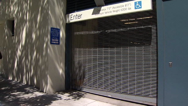 04b12 061313 parking spot entrance San Francisco Parking Spot Sells for $82000