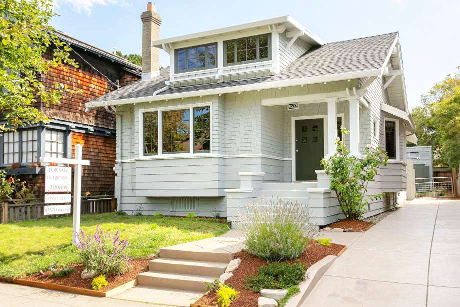 0a44a 920x920 Forget the modern makeover: This Oakland Craftsman asking $898K is lovingly restored