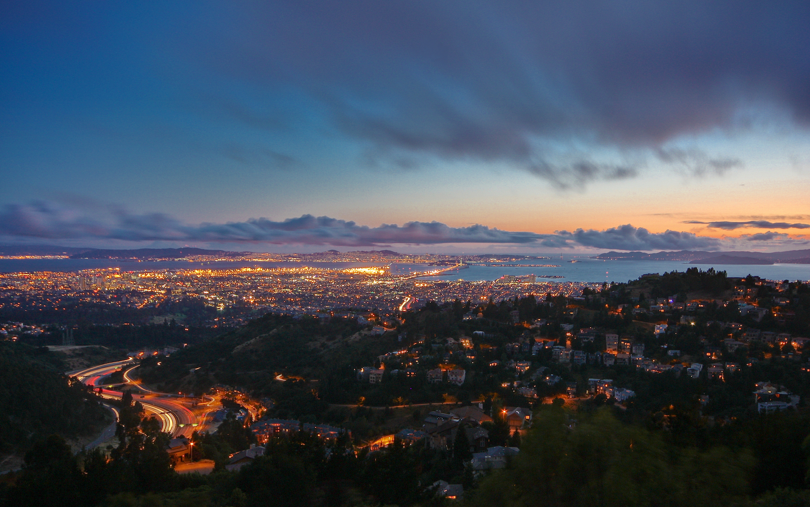 1d7fd dusk in oakland hills by joe parks Home Truths: Why East Bay homes are routinely listed below sales price