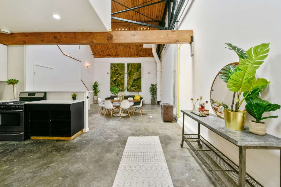 2c3f1 920x920 West Oakland loft listed for $620K has it all, except windows