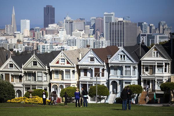 3d759 102484021 san francisco real estate.600x400 This Silicon Valley tech leader wants to fix Californias housing crisis by scrapping the $64 billion bullet train ...