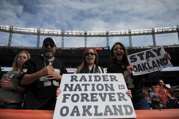 46843 premium landscape If Raiders go to Vegas, Oakland could win financially