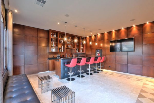 4a6bc barlounge 600x400 SF 49er Colin Kaepernick Selling his Bay Area Home For $2.9M