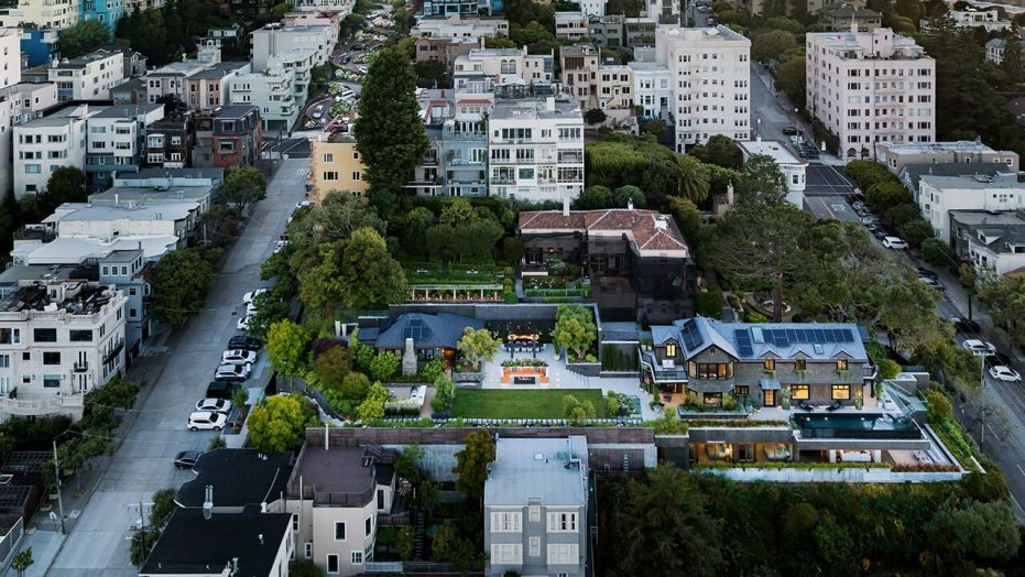 4e735 Lombard 05 0176 v4 San Franciscos most expensive listing gets $4.5 million cut from $45 million asking price