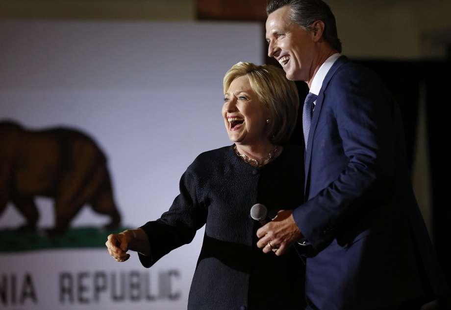 50a60 920x1240 Californians struggle for spotlight at Democrats big party