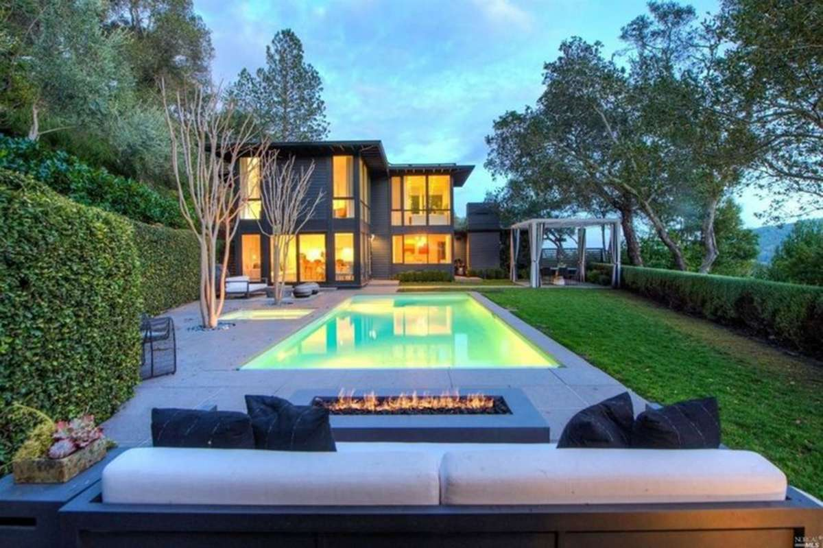 55cdf amidst an ongoing recall governor newsom finally sells his kentfield based home for 5 7 million 1 As Recall Support Grew, Gov. Newsom Sold His Kentfield Home for $5.7 Million, Records Show