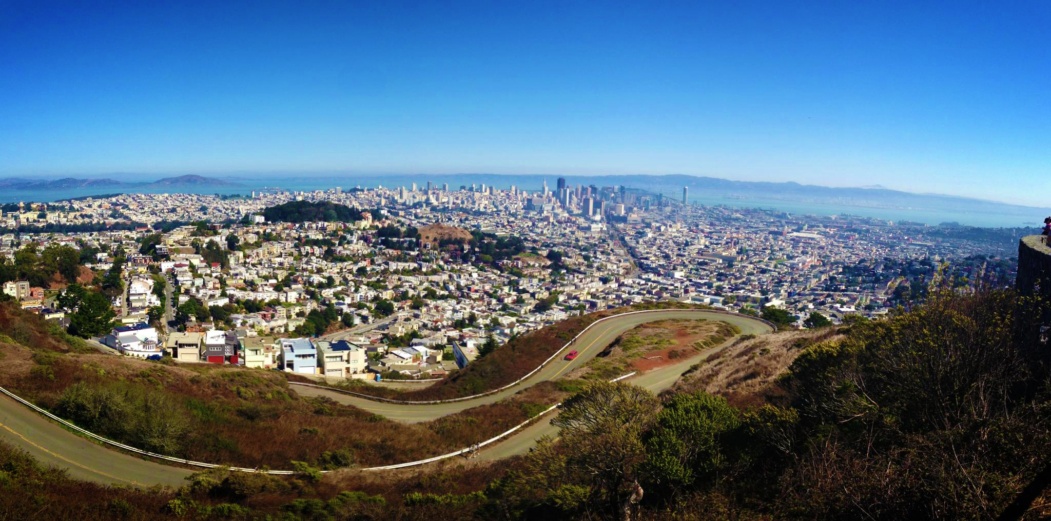 79a45 View of San Francisco from the top of the Twin Peaks Immigration keeps SF population growing even as locals depart