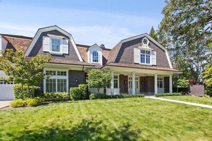 7d28c 90895310b2acec6353fa4c30e64a6aadw c0xd w685 h860 q80 Former Symantec CEO Greg Clark Selling $6.9M Home in S.F. Bay Area