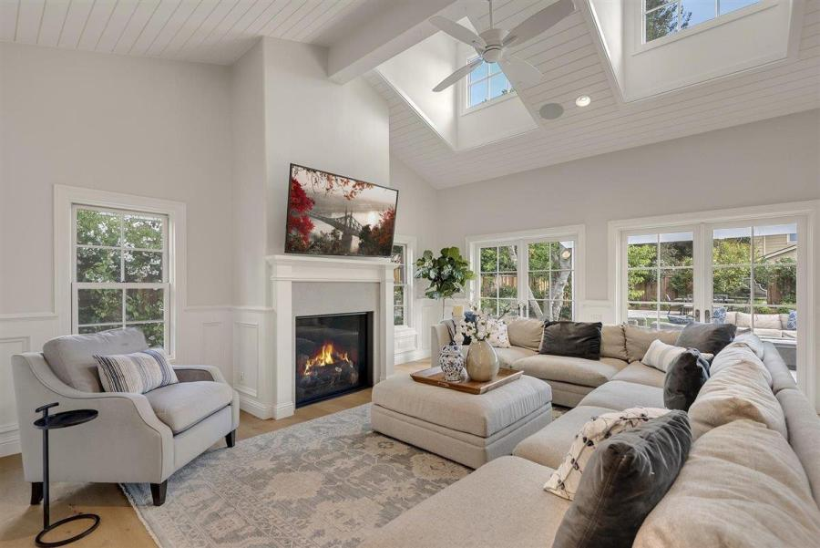 7dc72 Compass Sleeper Ave7 Another Bay Area home just sold for $1 million over asking price – and it won't be the last