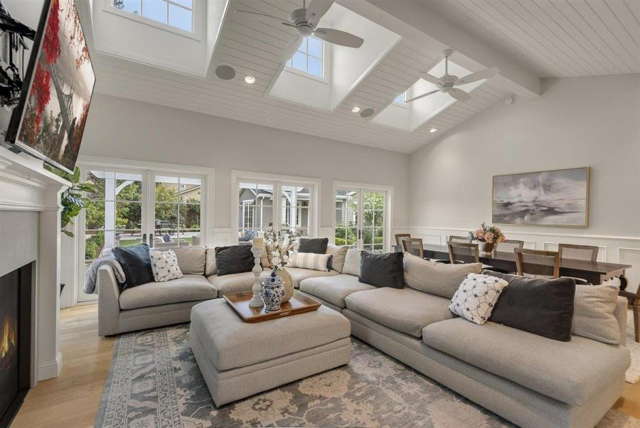 7dc72 Compass Sleeper Ave8 Another Bay Area home just sold for $1 million over asking price – and it won't be the last