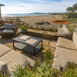 83afb thumbs a Santa Cruz home, literally steps from Seabright Beach, hits the market at $2M