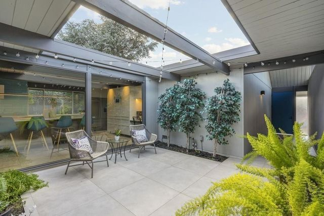 8a72b 33b4487b1c524f3b58e8780278678260w c290224766xd w640 h480 q80 Wave of 10 Eichler homes for sale makes a splash in Bay Area