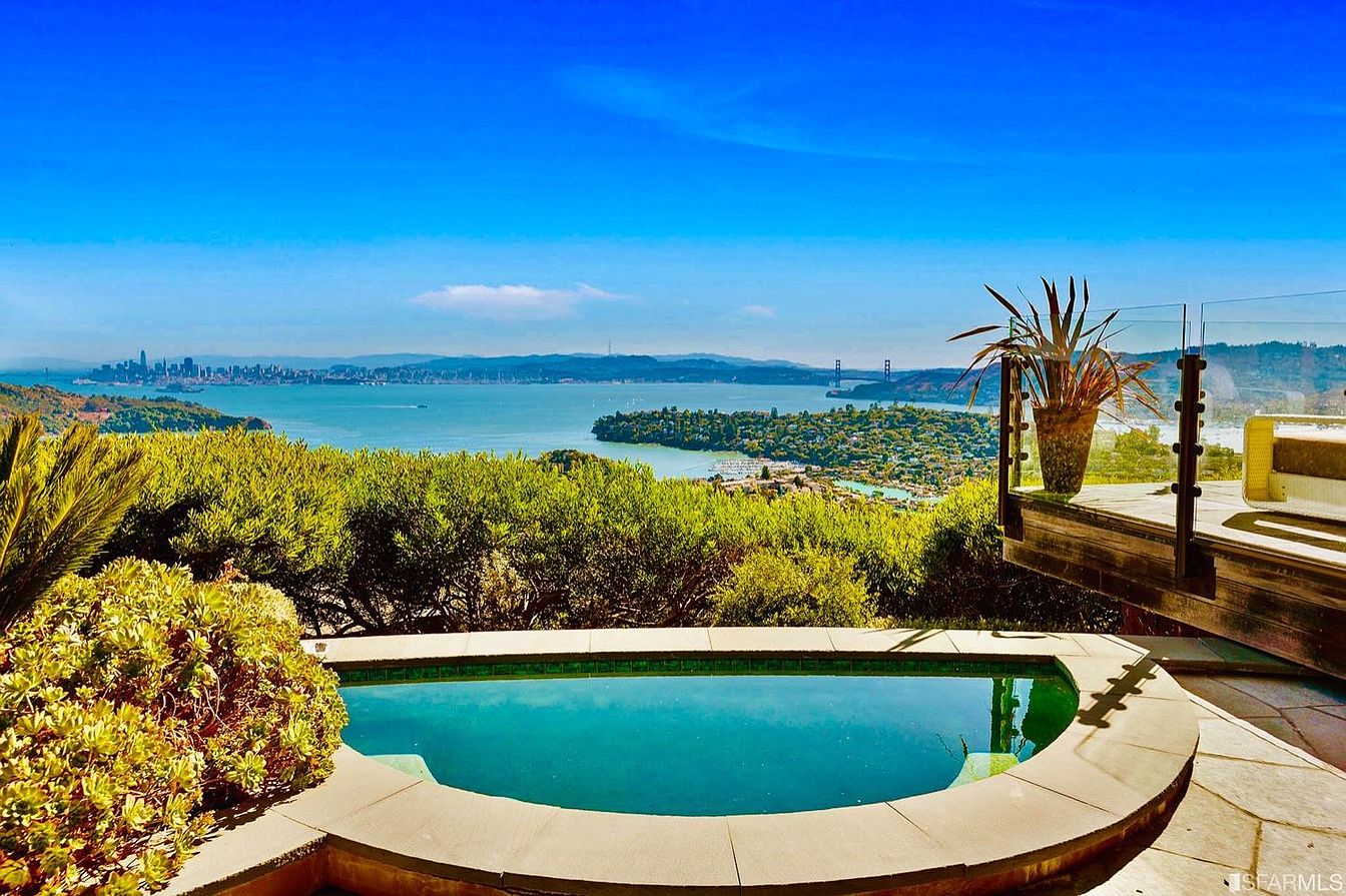 96956 pool sugarloaf 5 Bay Area Real Estate Listings With Progressively More Extravagant Pools