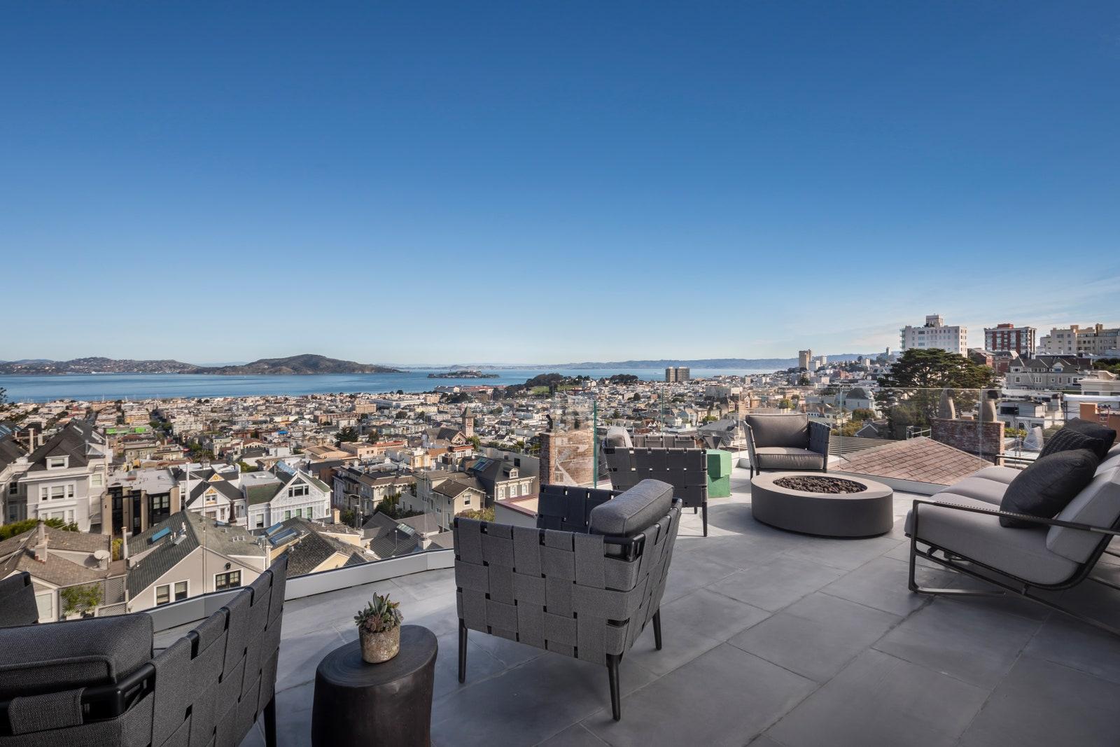 a3dd5 00810922%2821%29 Meg Ryans Former San Francisco Home Sells for $17.3 million