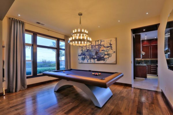 a96d9 pooltable 600x400 SF 49er Colin Kaepernick Selling his Bay Area Home For $2.9M