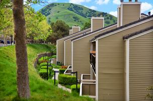 b667e kirkercreekapartmentspittsburg%2A304xx800 533 0 1 Kennedy Wilson buys huge East Bay apartment complex for $97 million