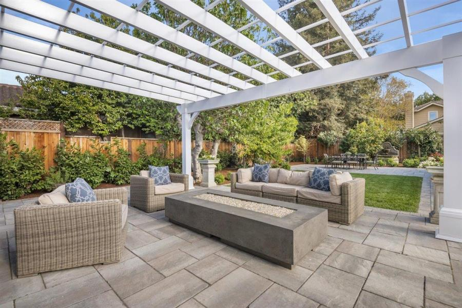 d0987 Compass Sleeper Ave10 Another Bay Area home just sold for $1 million over asking price – and it won't be the last
