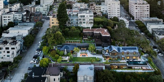 df120 Lombard 05 0176 v4 San Franciscos most expensive listing gets $4.5 million cut from $45 million asking price