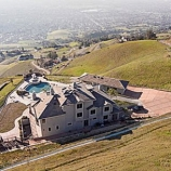 e6679 thumbs 2 San Francisco 49er Aldon Smith looks to ditch his San Jose mansion