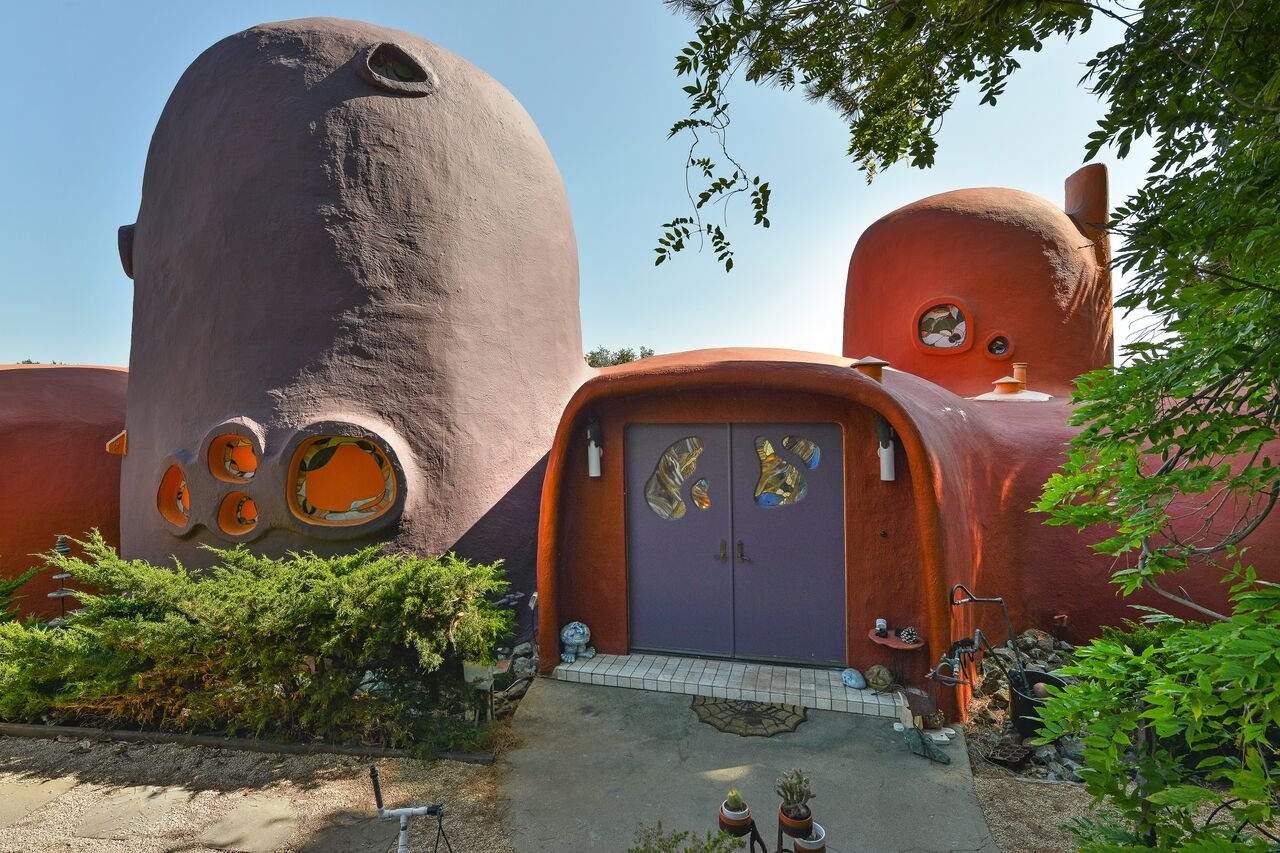 e6901 45%2520berryessa%2520way exterior 07 This insane Flintstones House is on sale for $4.2 million in California