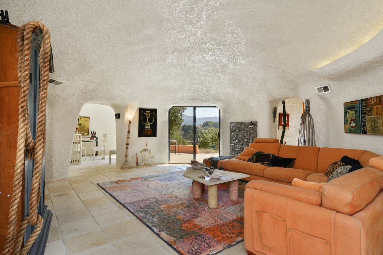 e6901 45%2520berryessa%2520way living%2520room This insane Flintstones House is on sale for $4.2 million in California