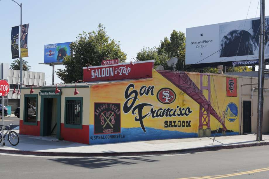 e9c4c 920x920 The story behind the die hard Bay Area sports bar somehow located in hostile LA