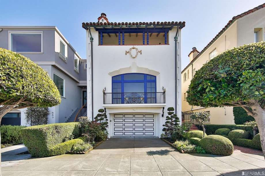 f66f6 920x920 Spanish Mediterranean with front row spot on SF Bay listed for $5.9 million