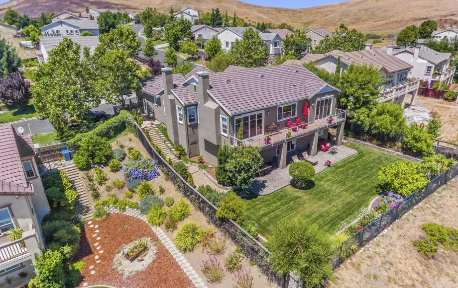 f71ab 920x920 Vallejos real estate market in middle of renaissance