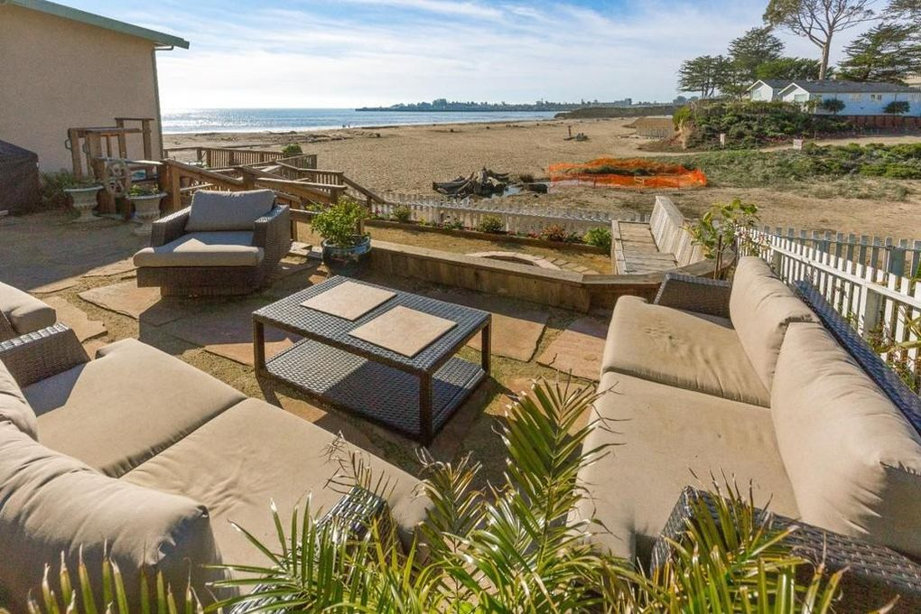 fcc65 a Santa Cruz home, literally steps from Seabright Beach, hits the market at $2M