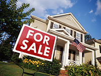 fde1e house for sale us flag 200 After Brisk Summer, Pending Home Sales Drop in August